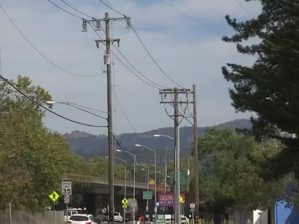 Power outages begin in California amid hot, windy weather