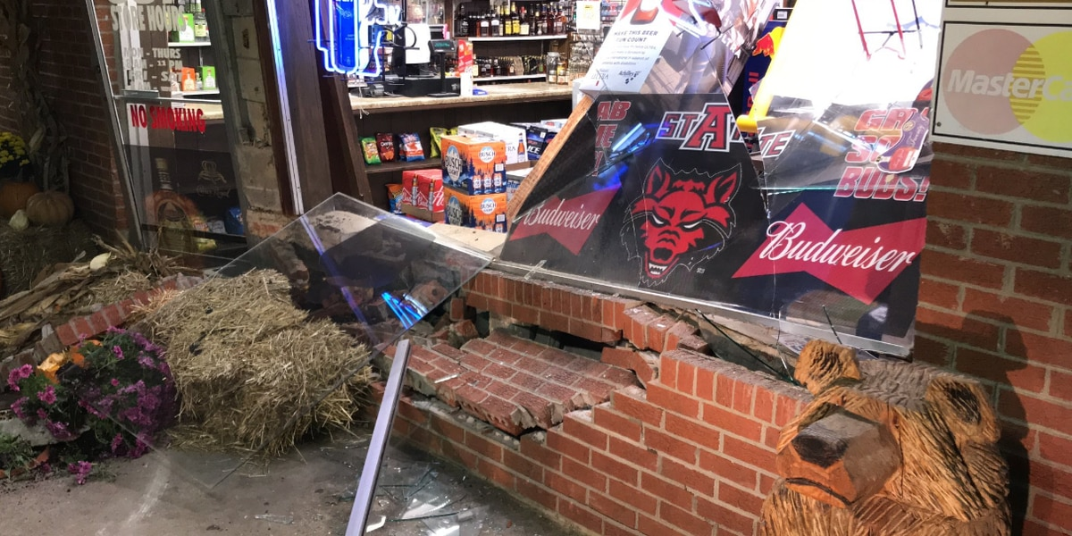 Car crashes into The Party Store in Greene County