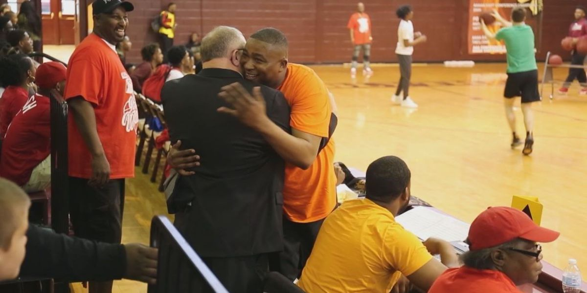 'Healing in the Hood' volunteer earns honor