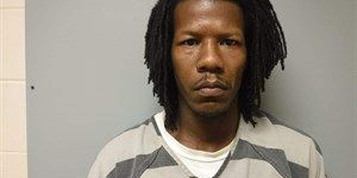Accused shoplifter facing robbery charge after hitting clerk