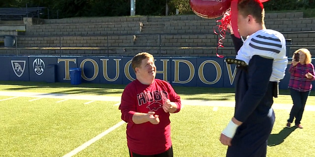 Arkansas superfan Canaan Sandy recovering from a stroke