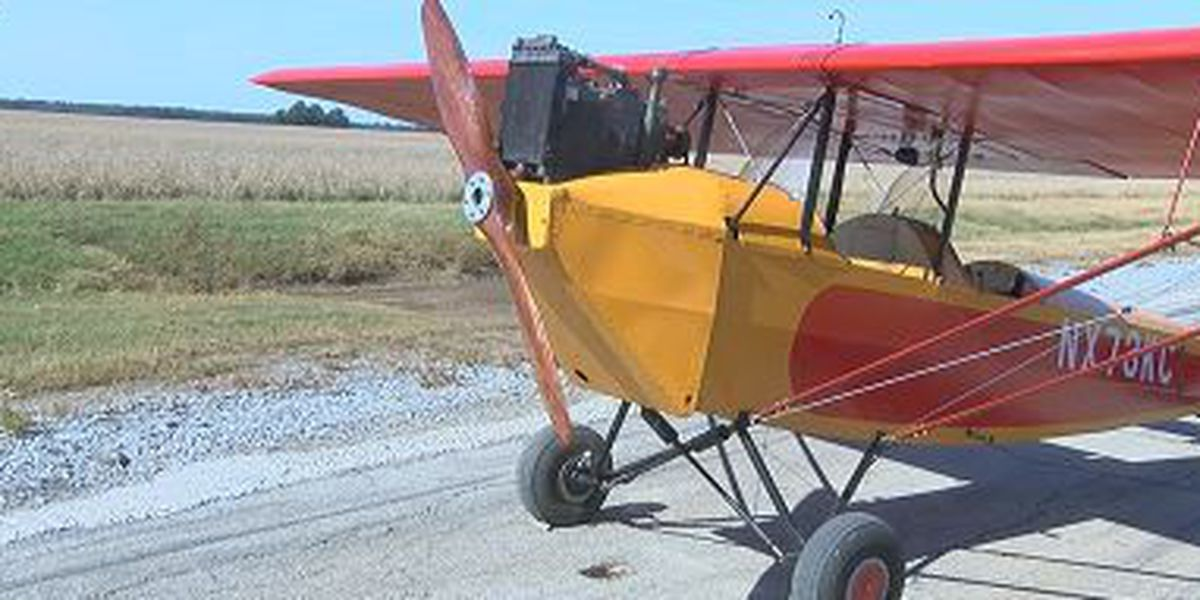 Man builds airplane with WWII-era equipment