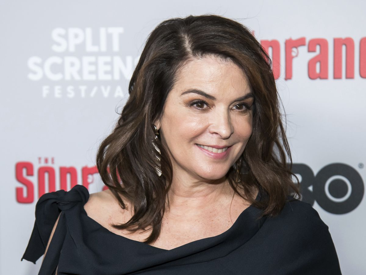 Annabella Sciorra: Harvey Weinstein held me down, raped me