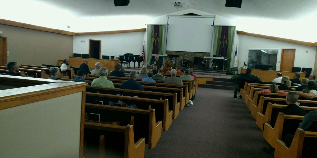 Highland community prays for local emergency personnel