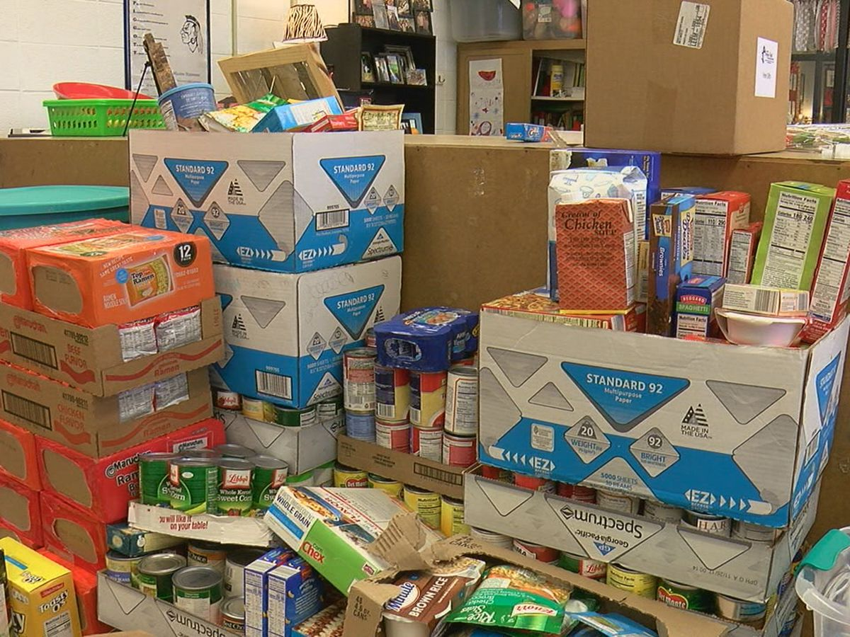 Students compete to fill hunger needs