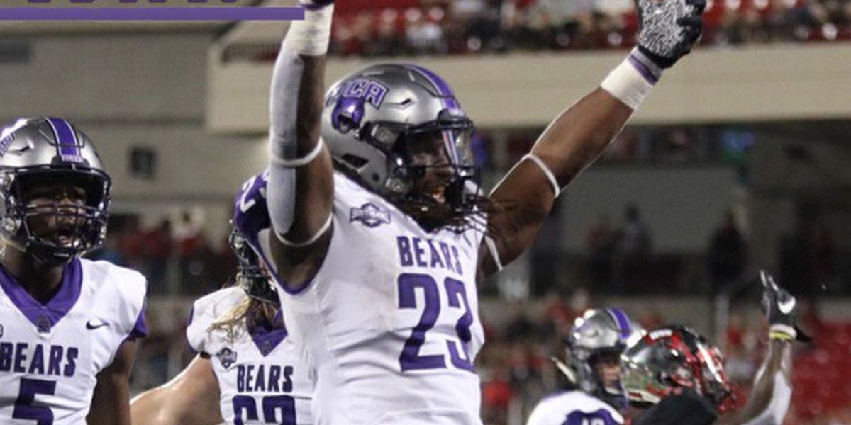 Gosnell alum Carlos Blackman has tying & go ahead TDs as UCA upsets Western Kentucky