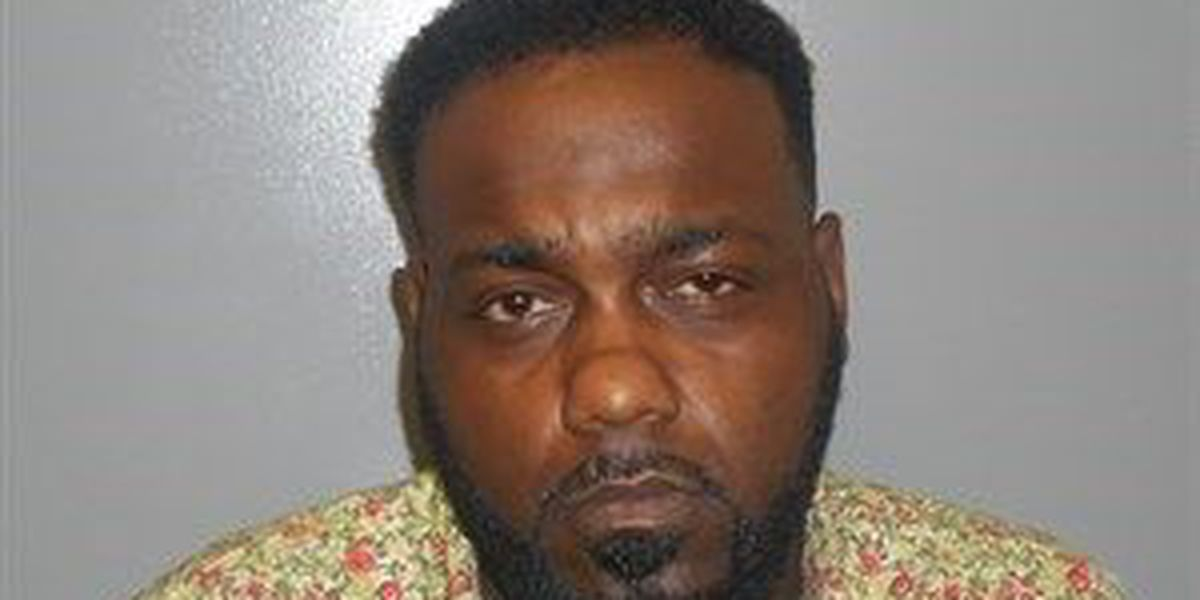 JPD: Man offers cocaine to tattoo customers