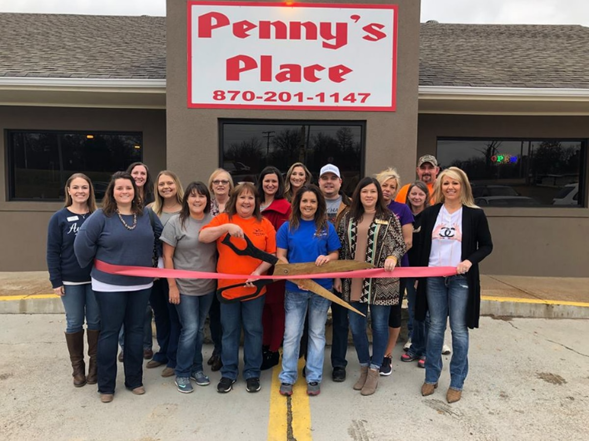 Penny's Place holds ribbon cutting in Newport