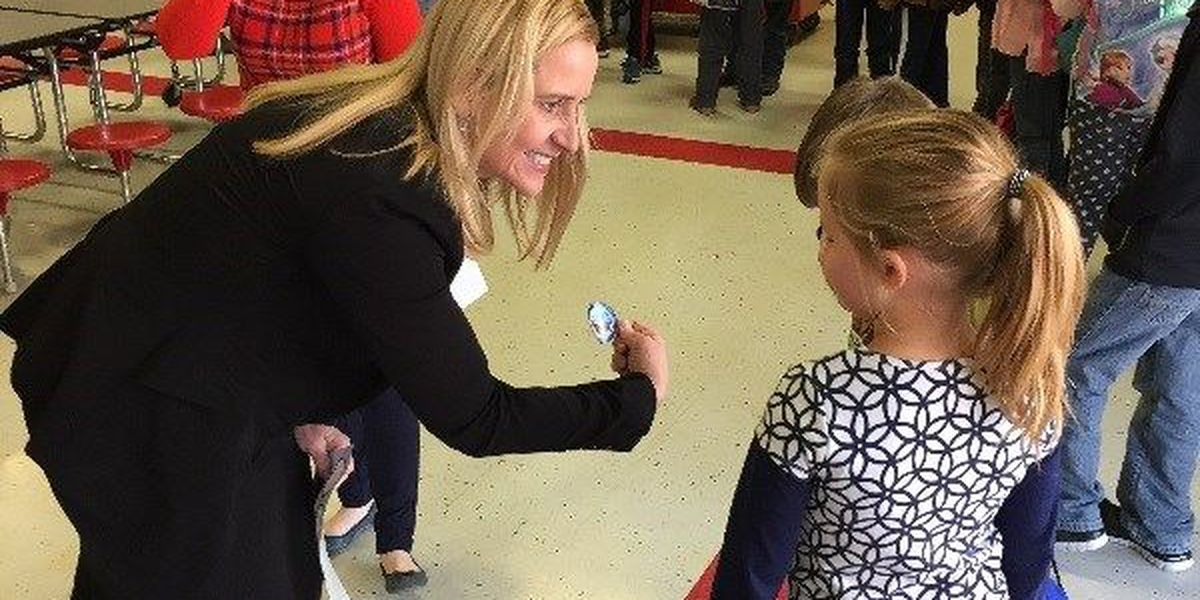 Internet, child safety focus of AG visit to Pocahontas school
