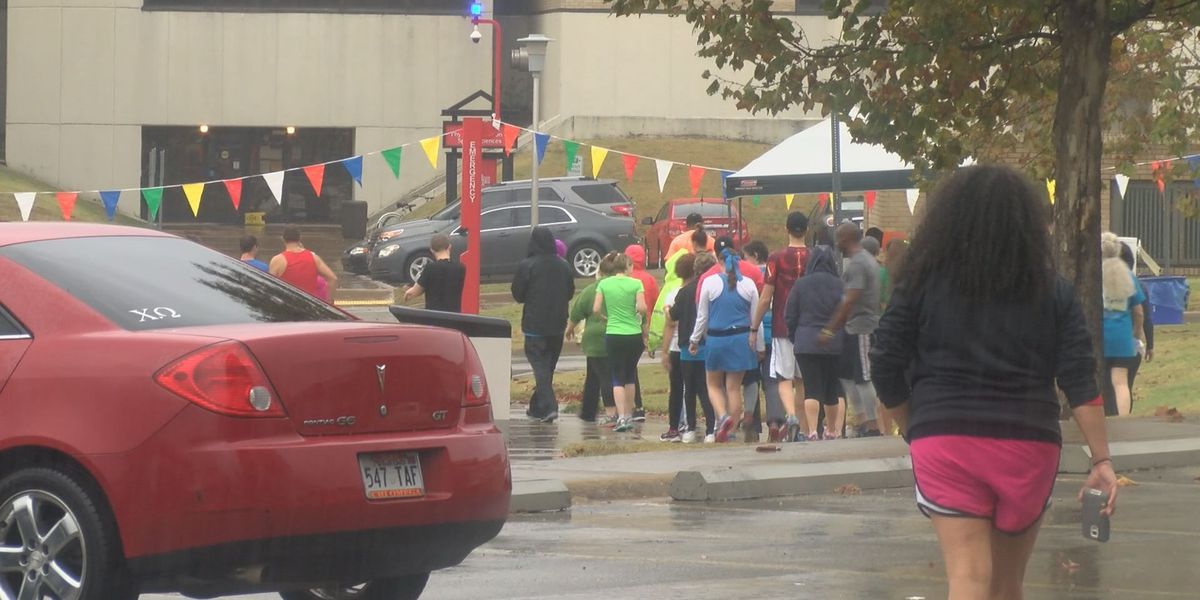 Literacy League runs in the rain to raise money to fight illiteracy