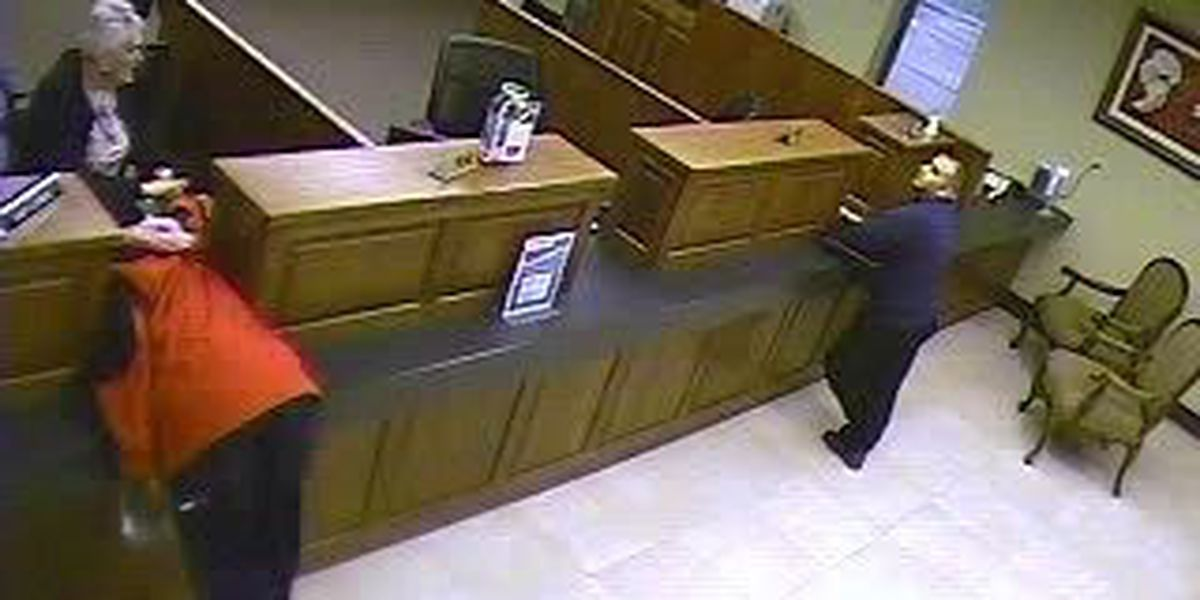Man accused of robbing bank found not guilty