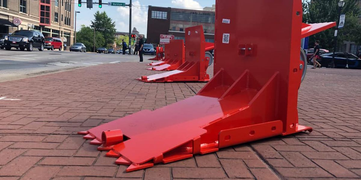 New barricades will protect crowds