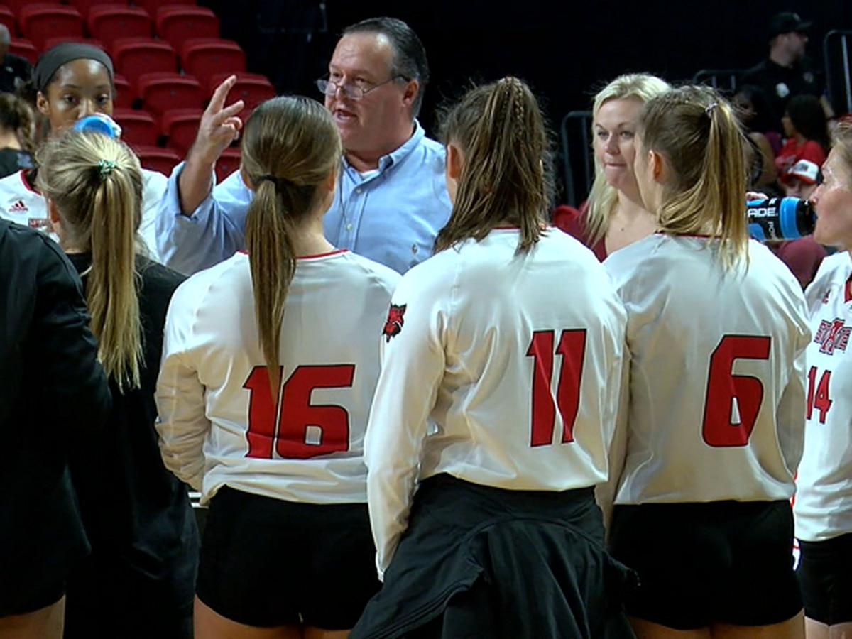 Arkansas State volleyball beats Stephen F. Austin in home opener