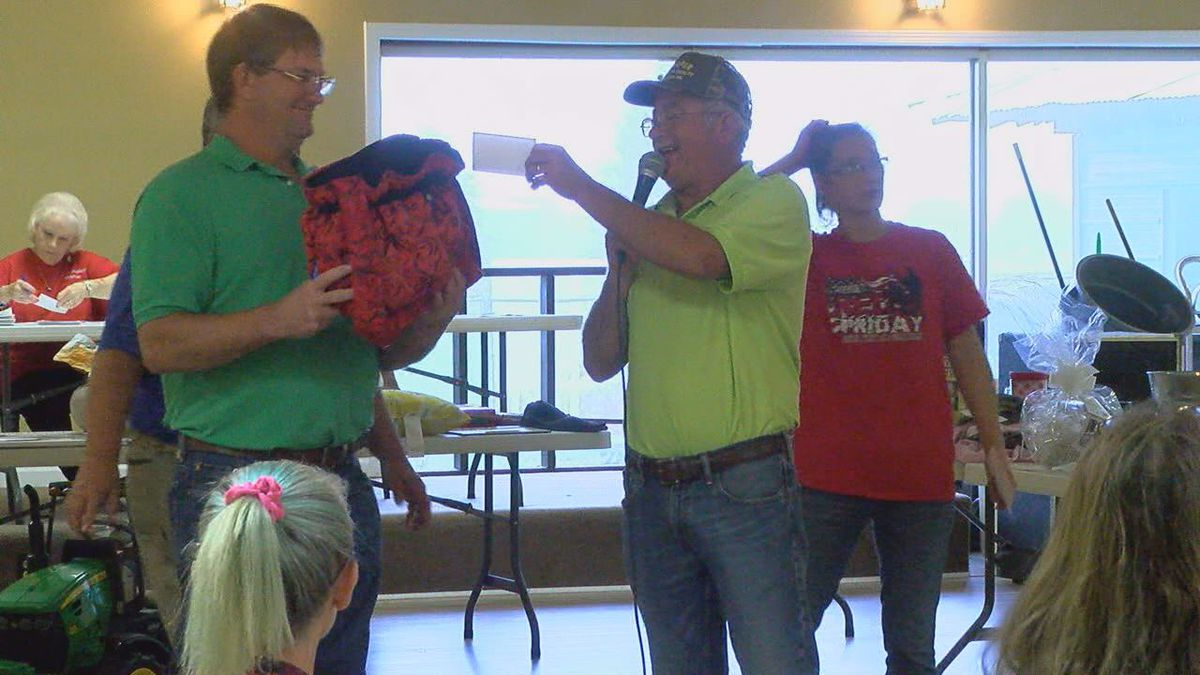 VFW holds auction for veterans