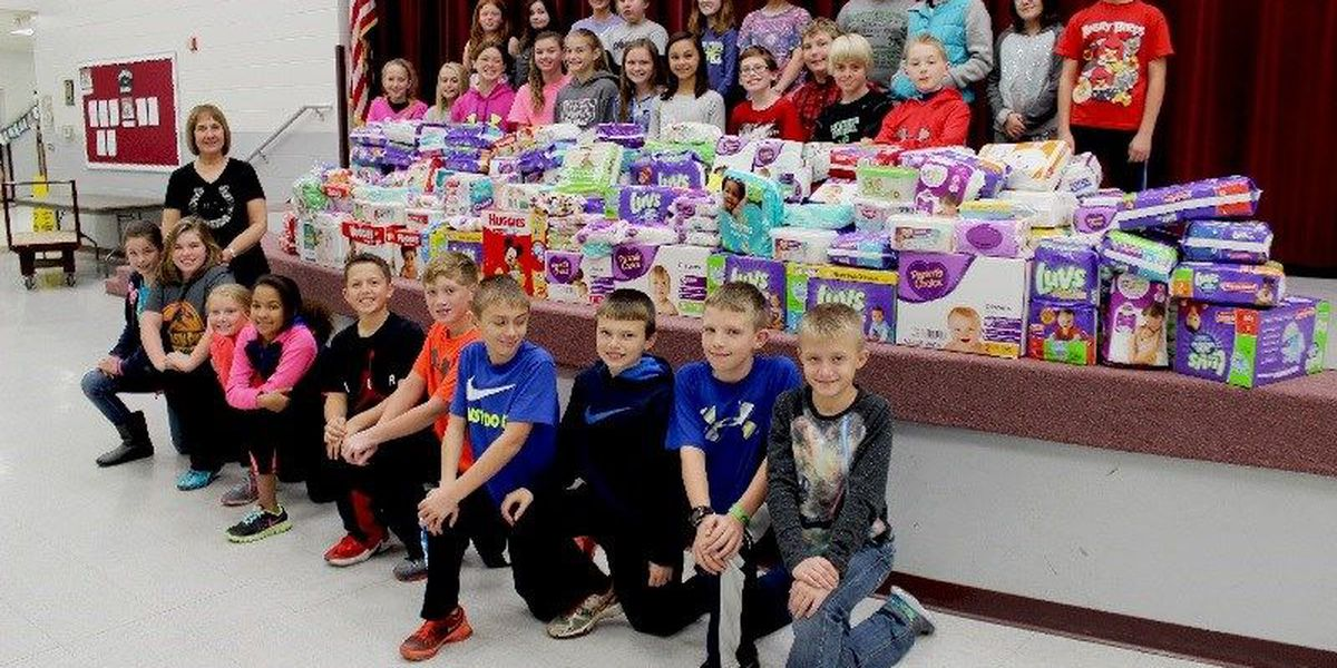GR8 Job: Poplar Bluff students collect diapers for low-income families