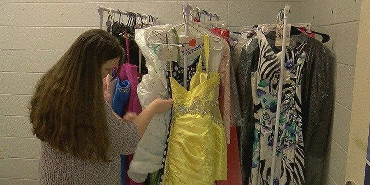 Blytheville teacher turns her class closet into a prom boutique for students in need