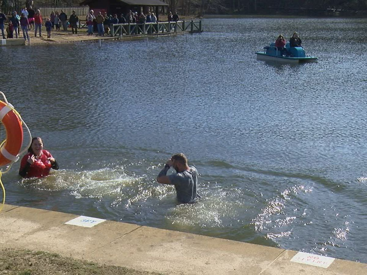 Special Olympics Area 1 hosts Polar Plunge in Paragould