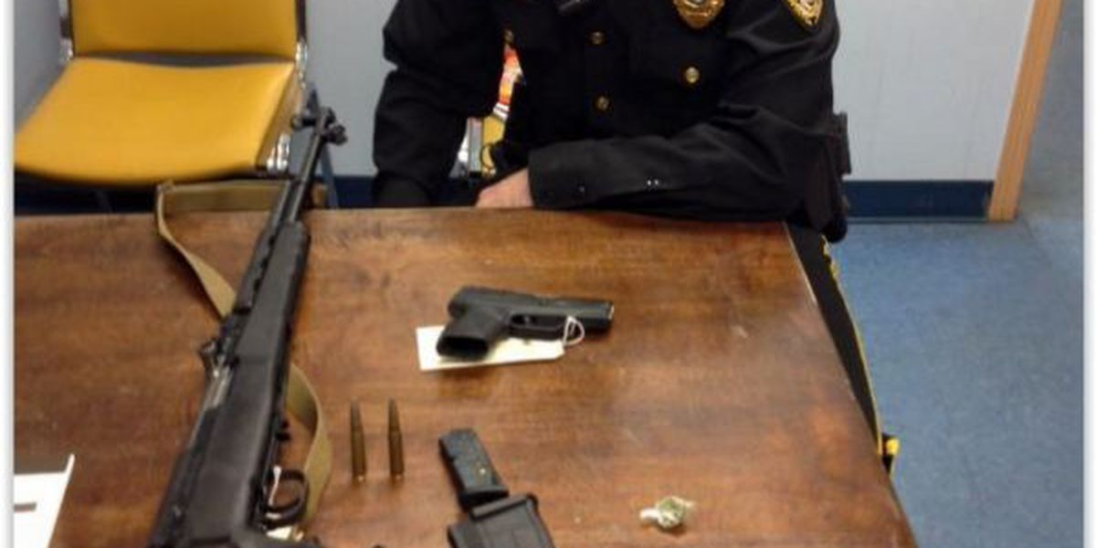 Assault weapon, drugs found during traffic stop