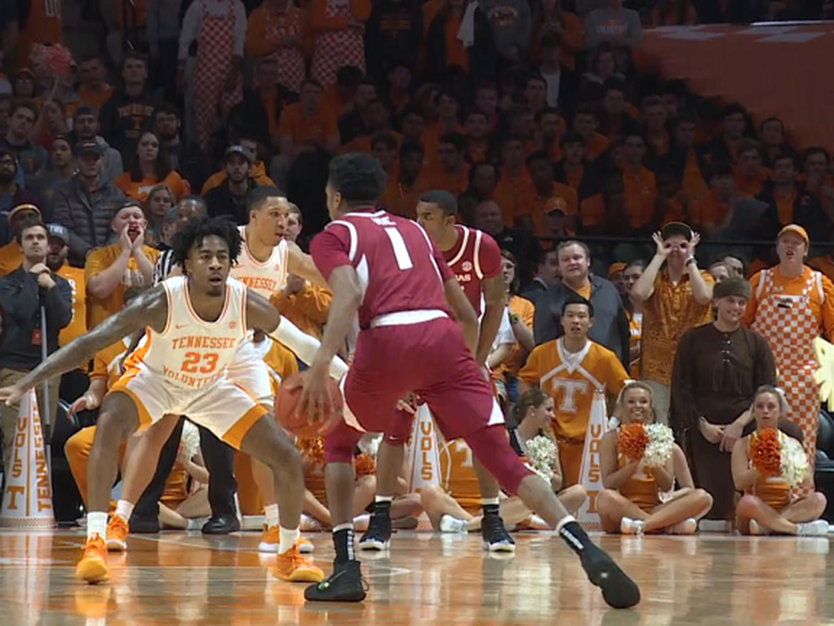 Isaiah Joe has 23 pts but Arkansas falls to #3 Tennessee 106-87