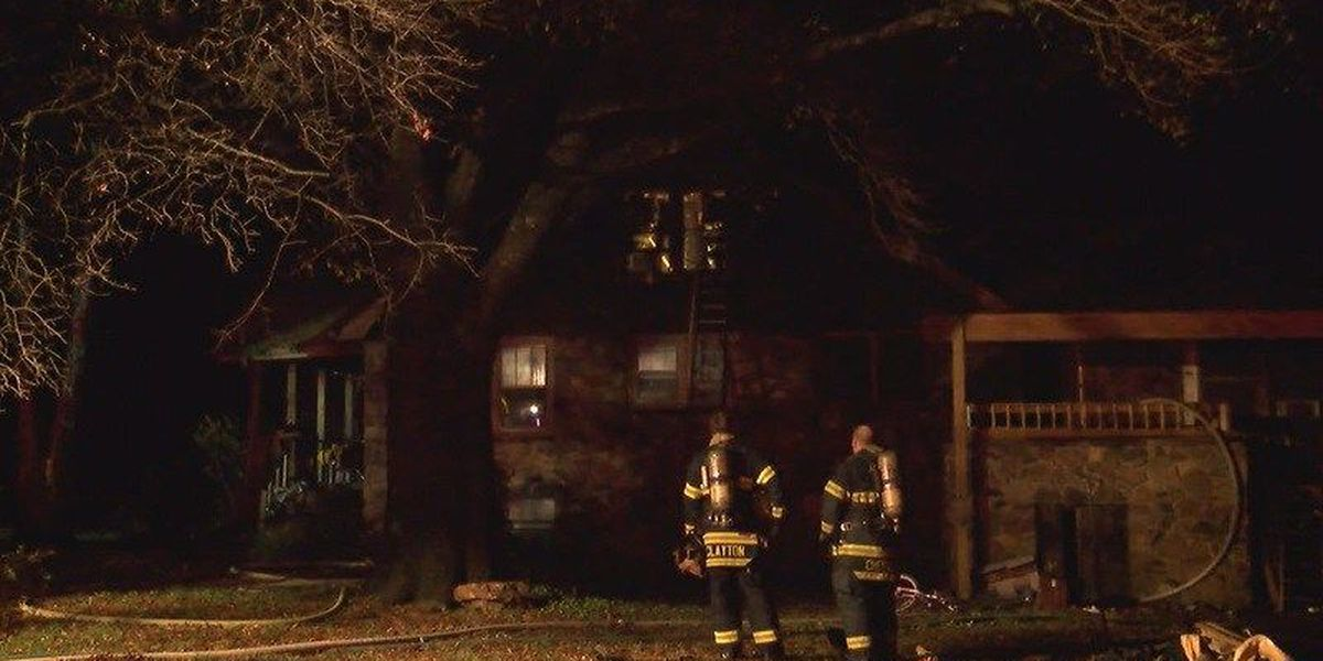 Grease fire damages 3-story house in Jonesboro