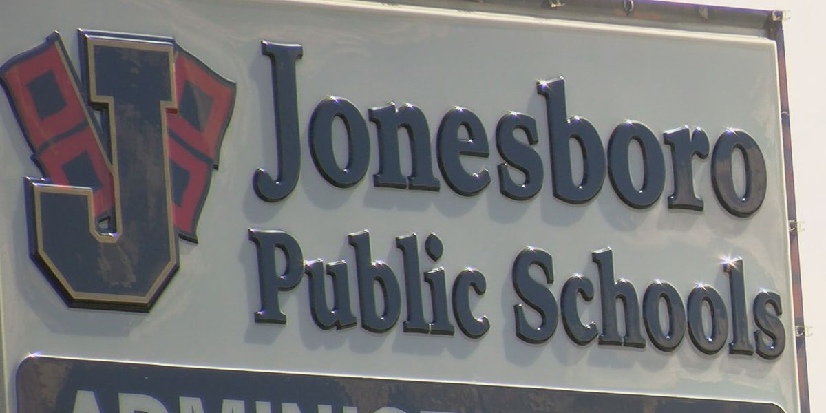 School district targeting chronic absentee rating