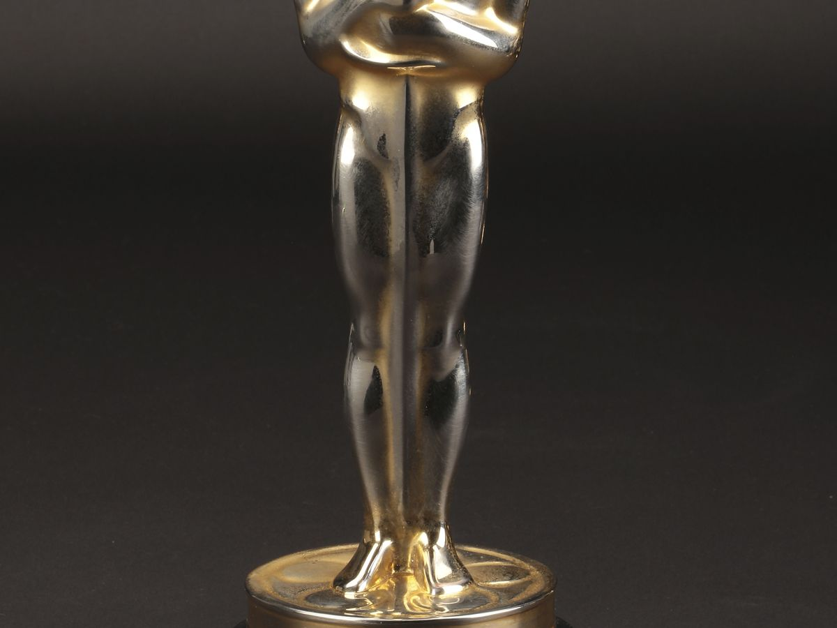 1947 best-picture Oscar sells for nearly $500,000 at auction