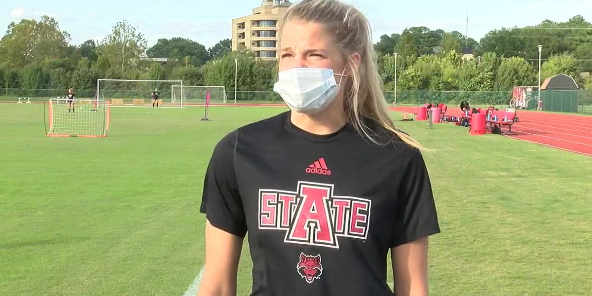 Red Wolves Raw: Brian Dooley, Sarah Sodoma, & Megan McClure before 9/29 women's soccer practice