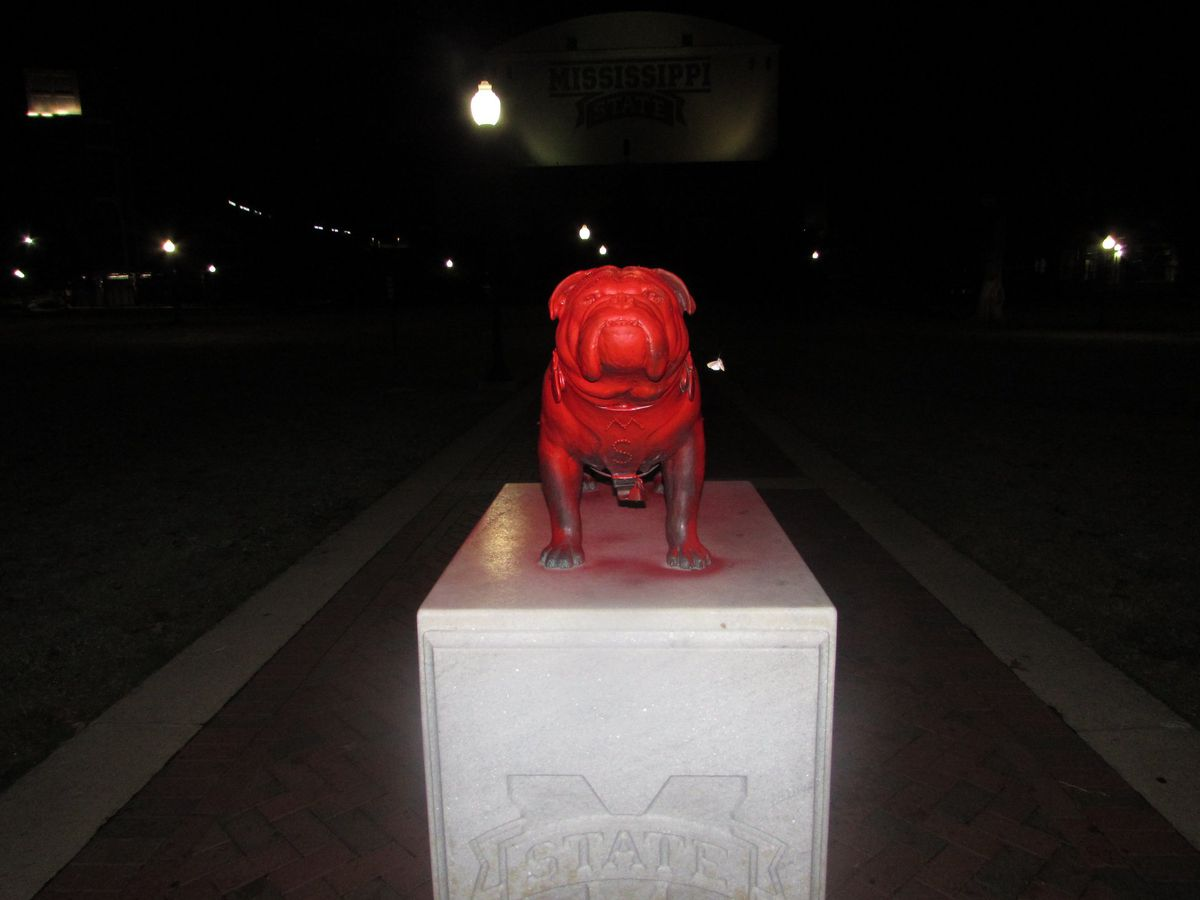 Two Arkansas men arrested for vandalism of Mississippi State University statue