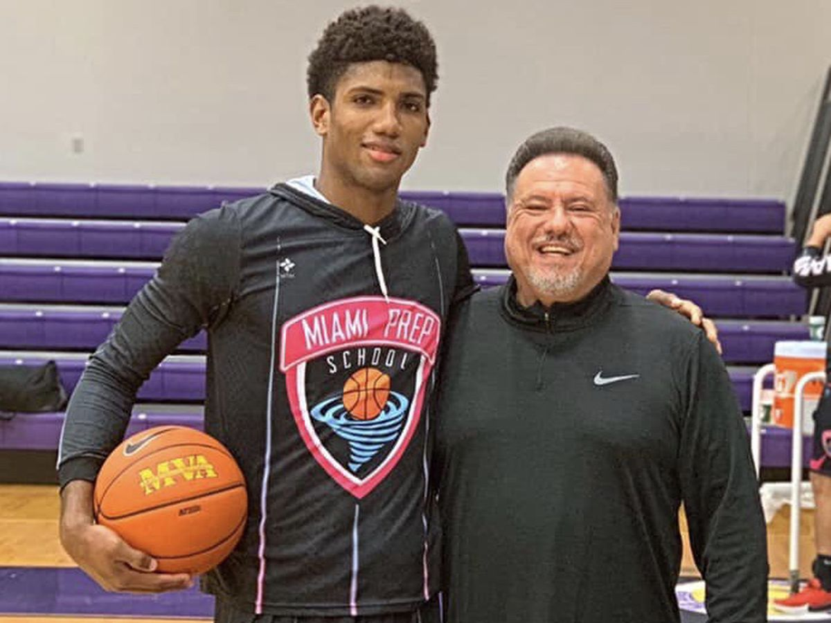 Miami Prep hoops standout Norchad Omier commits to Arkansas State