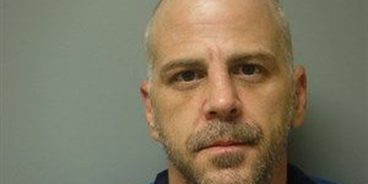 """Judge sets forgery suspect's bond at $50,000 for """"expensive pizza"""""""