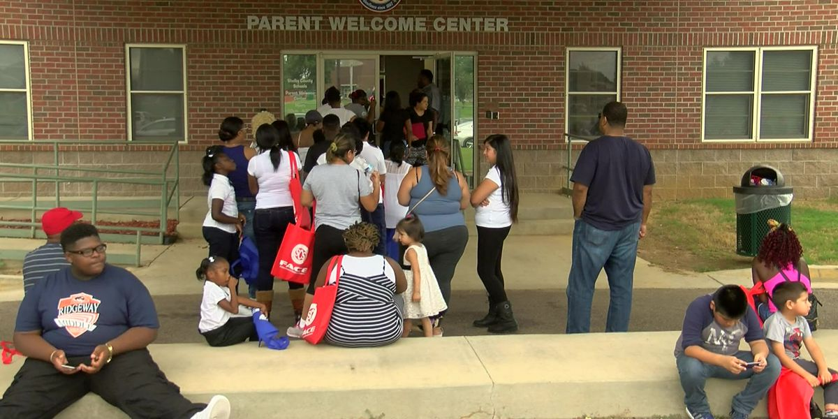 Proposed bill would enforce dress code for parents at all TN schools