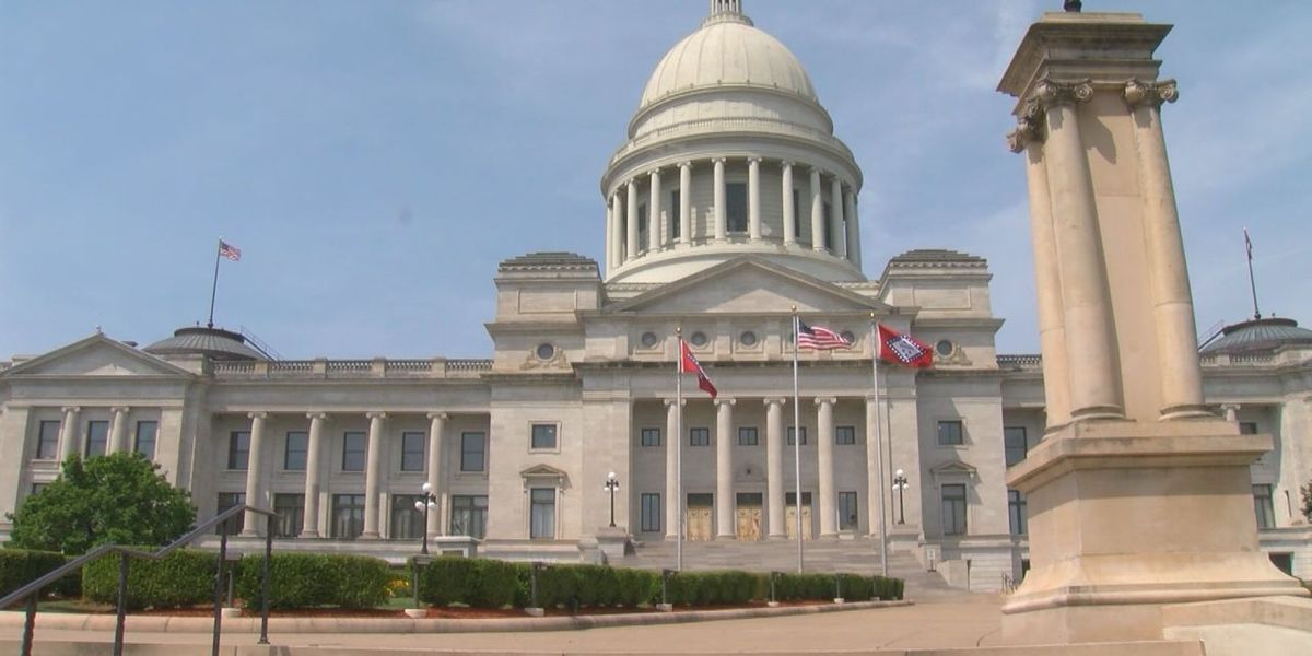 Arkansas virus cases drop, lawmakers change emergency powers