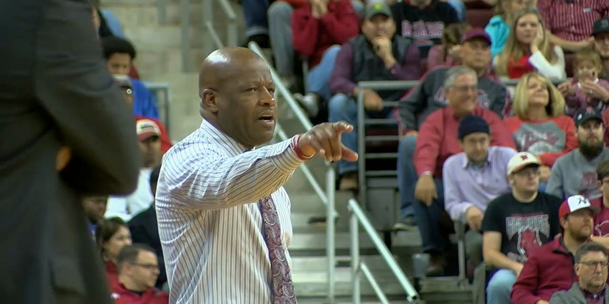 Former Arkansas head coach Mike Anderson named St. John's head coach