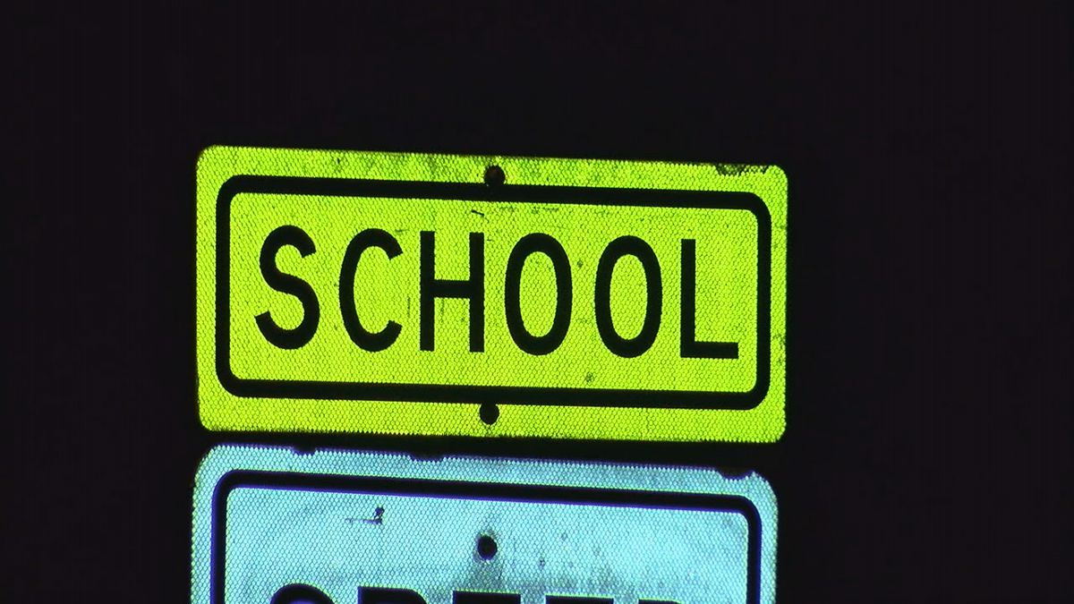 Superintendent supports bill to crack down on distracted driving in school zones