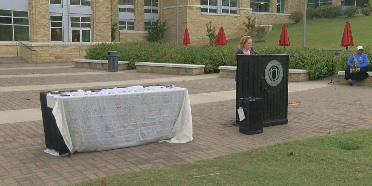Vigil remembers victims of domestic violence, sexual assault
