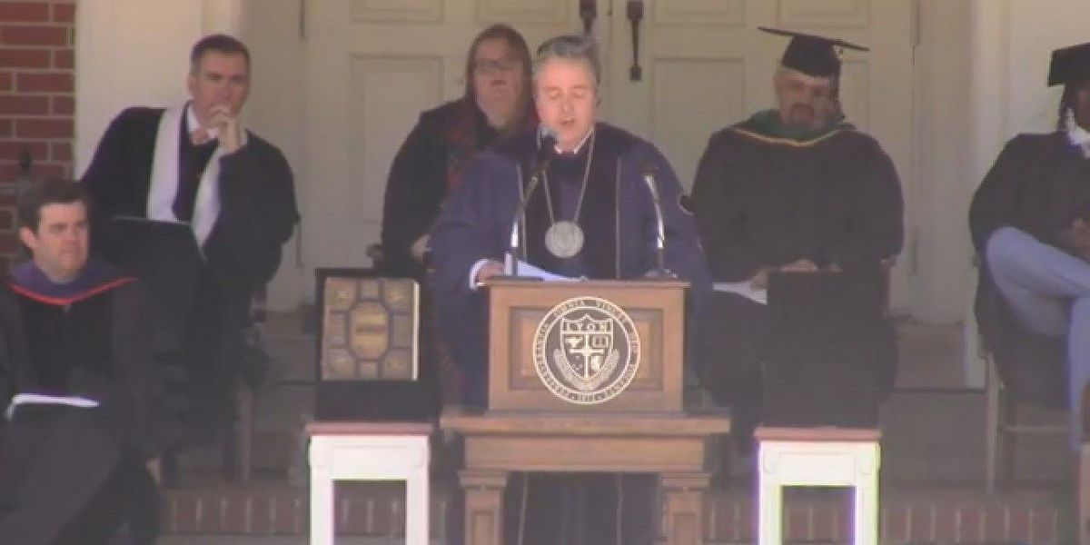Event honors new Lyon College president
