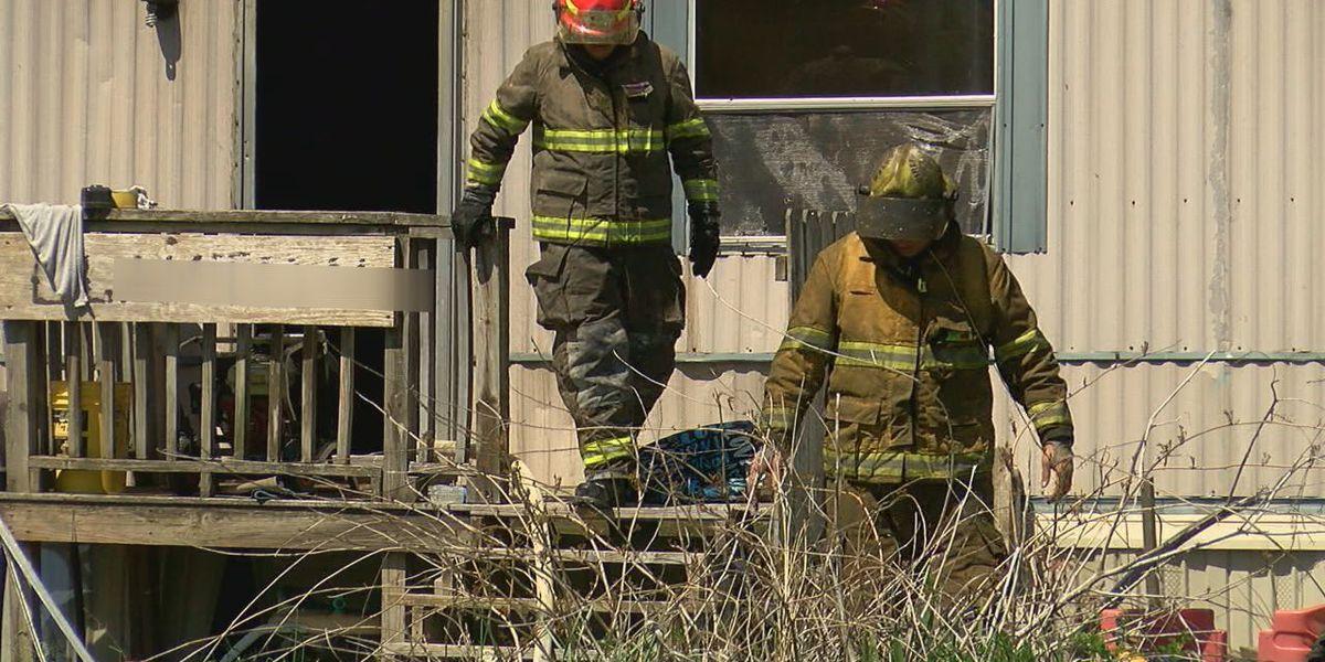 Multiple fire crews respond to Monday afternoon mobile home fire