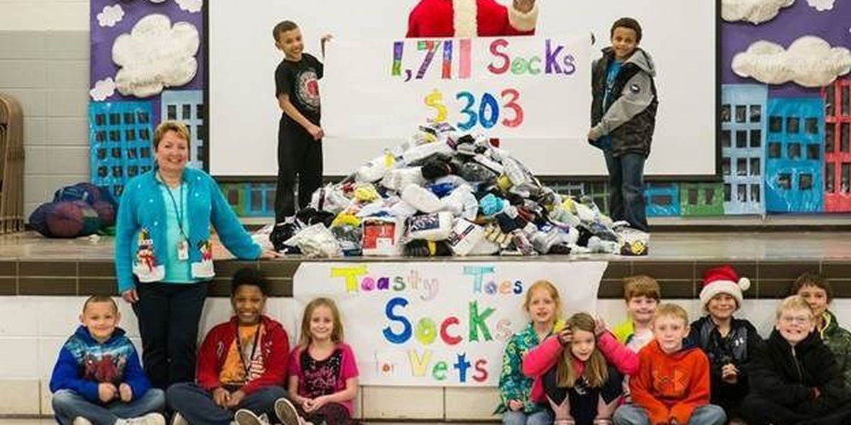 GR8 Job: Area students donate socks to homeless veterans