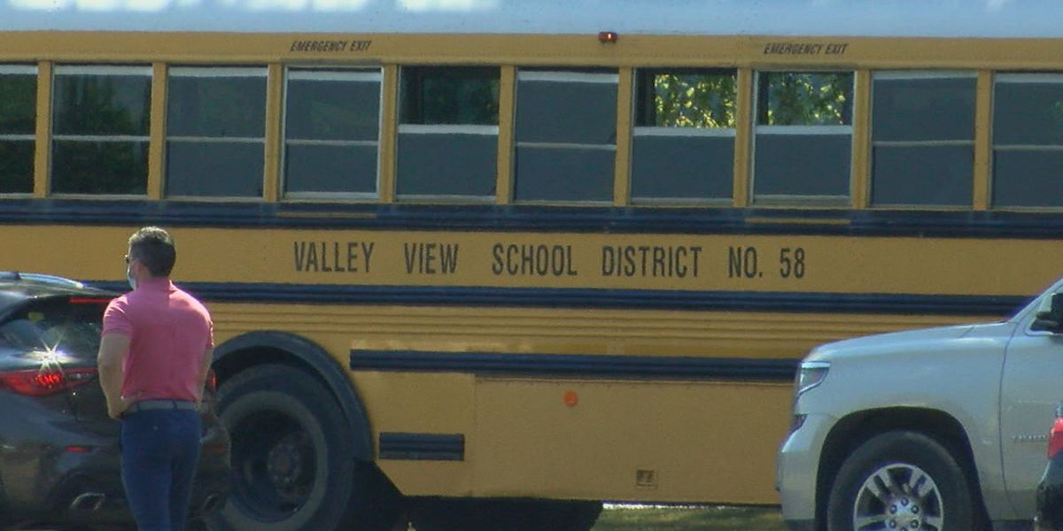 First day of school goes smoothly for Valley View parent