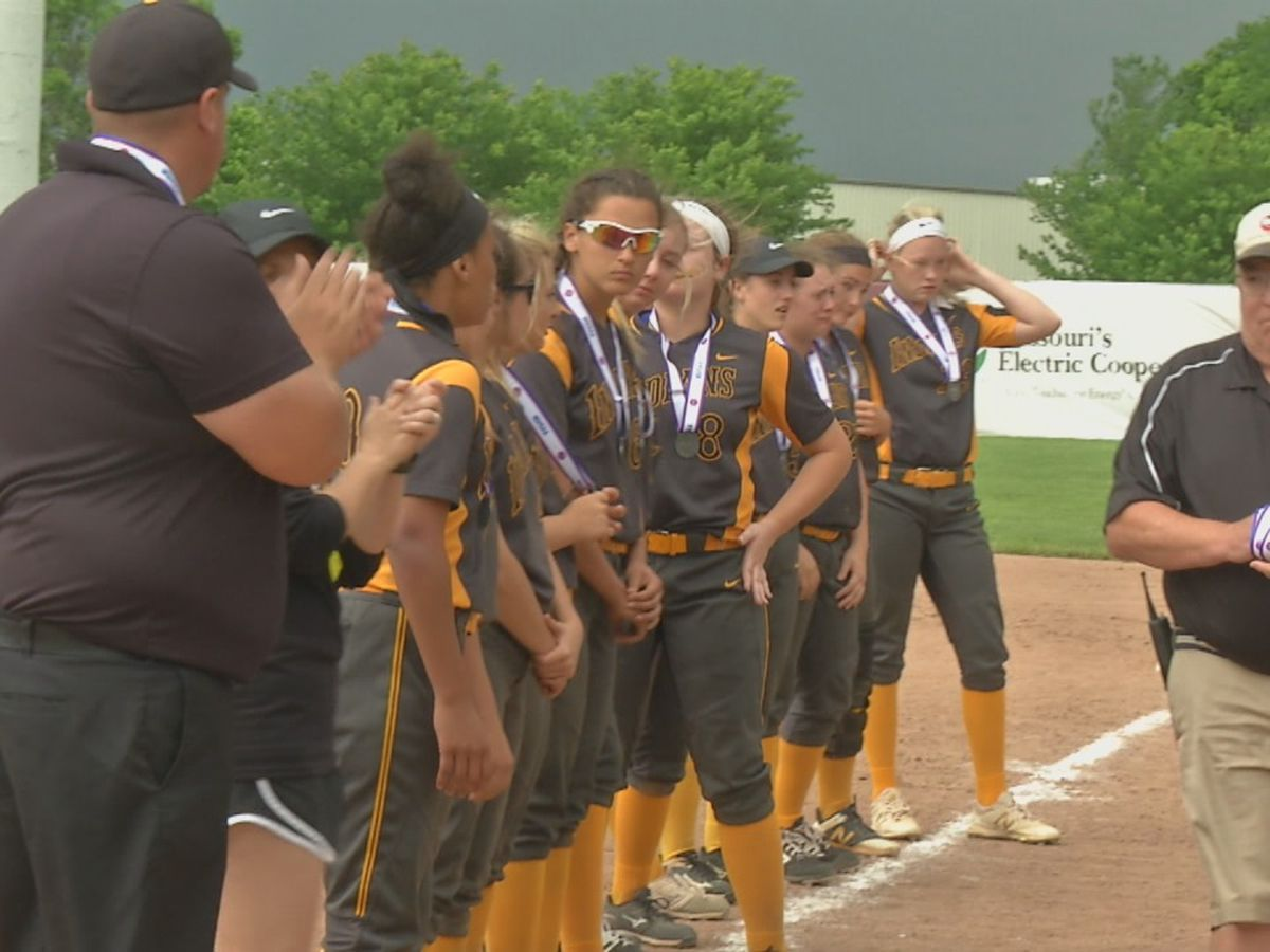 Lincoln scores 5 in the 8th to defeat Kennett in Class 1 softball state championship