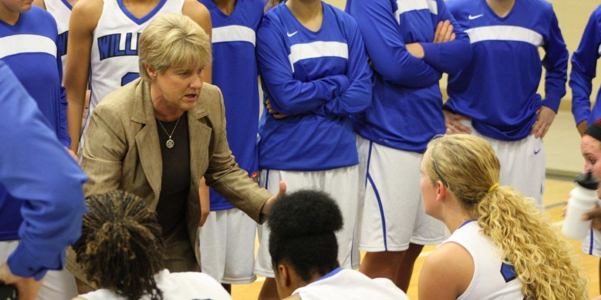 Halford Stepping Down After 33 Seasons as WBC Basketball Coach