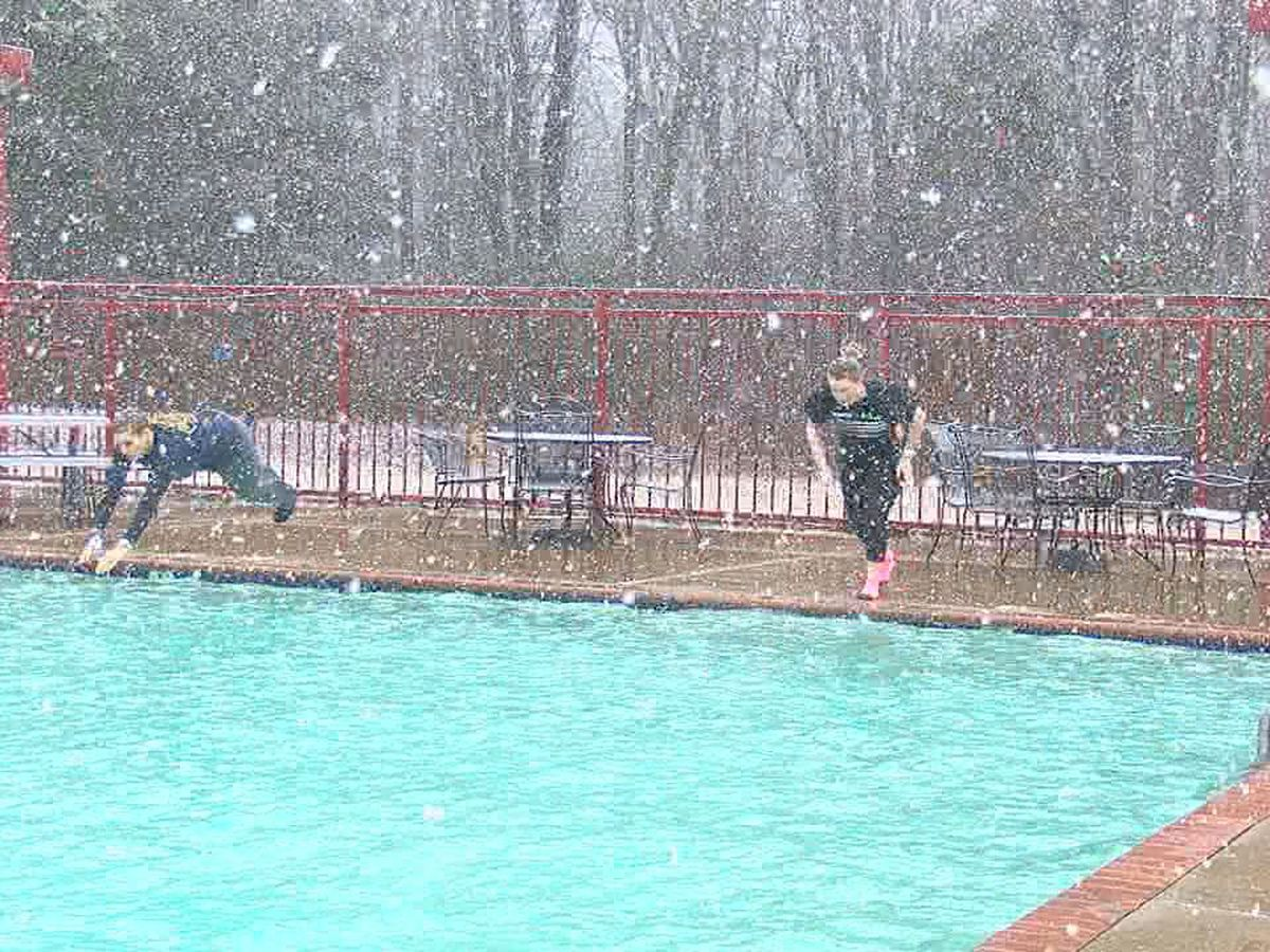 Snowy polar plunge raises money for Special Olympics