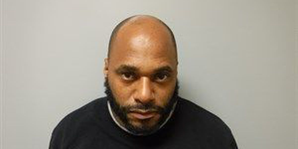 Man accused of using fake credit card needs real cash for bond