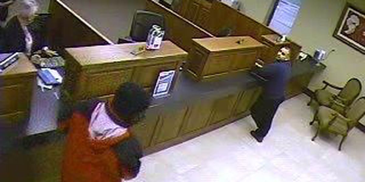 Police arrest man for bank robbery