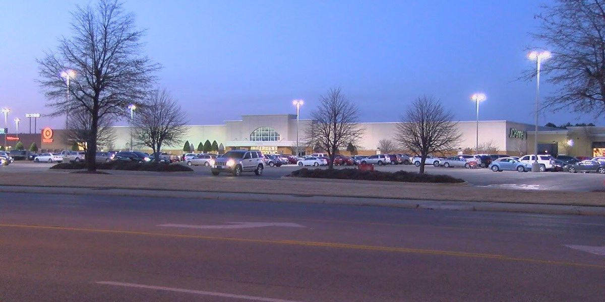 Express store in the Mall at Turtle Creek closing