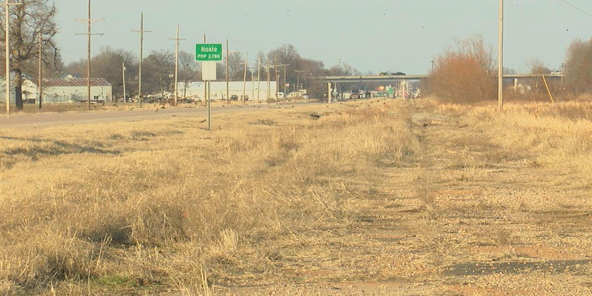 Hoxie discusses adding nine-mile bike trail, street lights