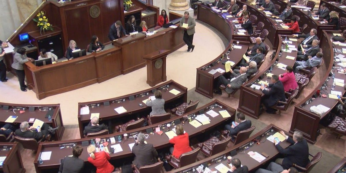 Lawmakers get sexual harassment training