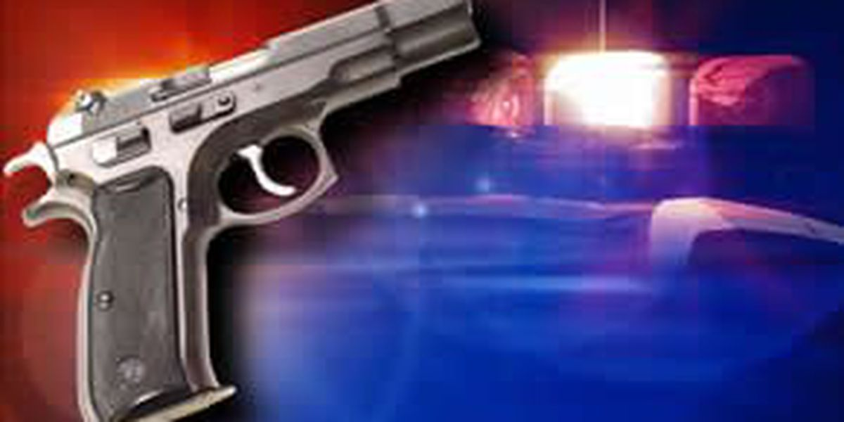 One man shot, Blytheville police search for two suspects