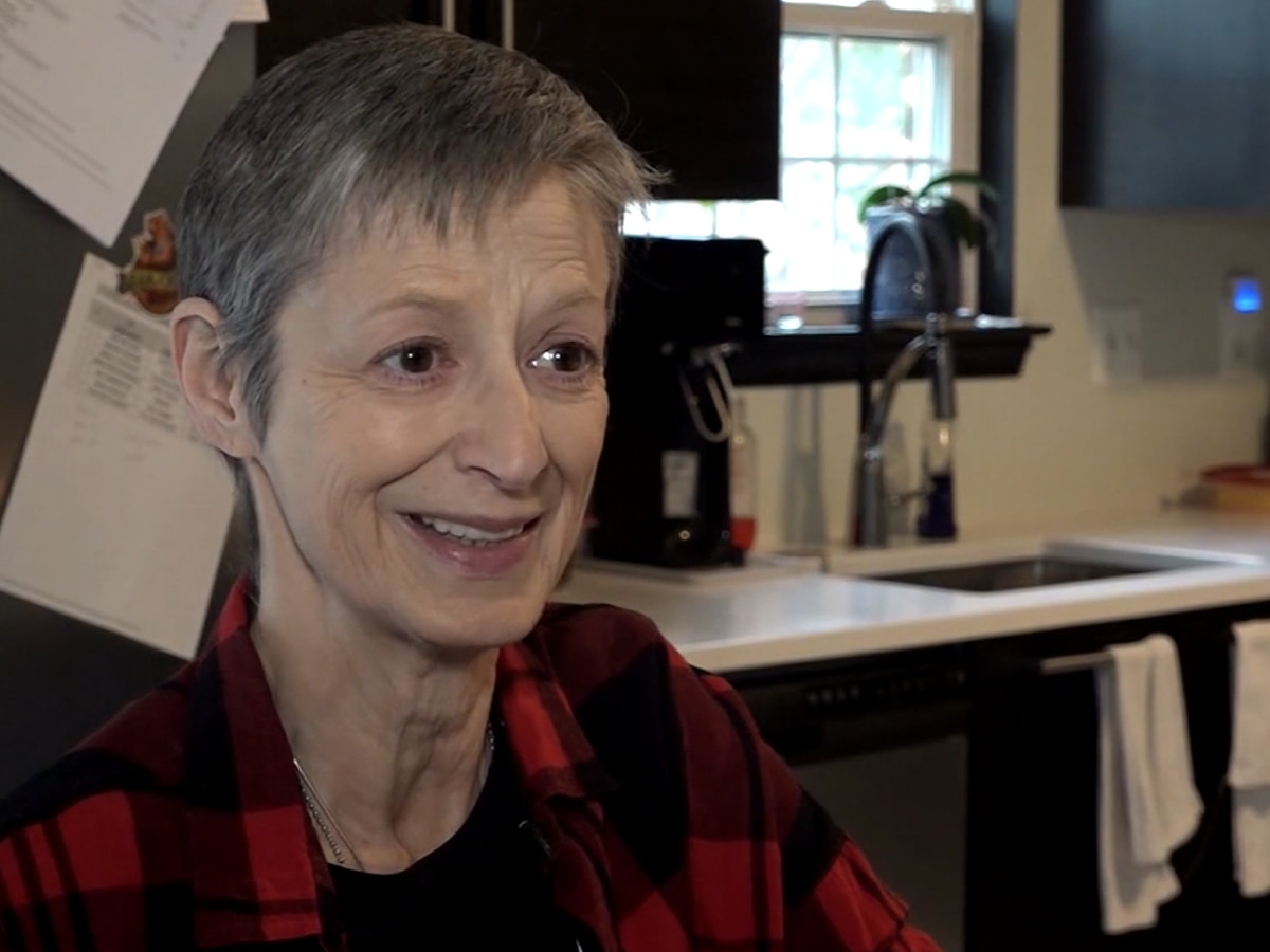 Virginia woman with terminal cancer wants Christmas cards: 'It helps with the depression.'