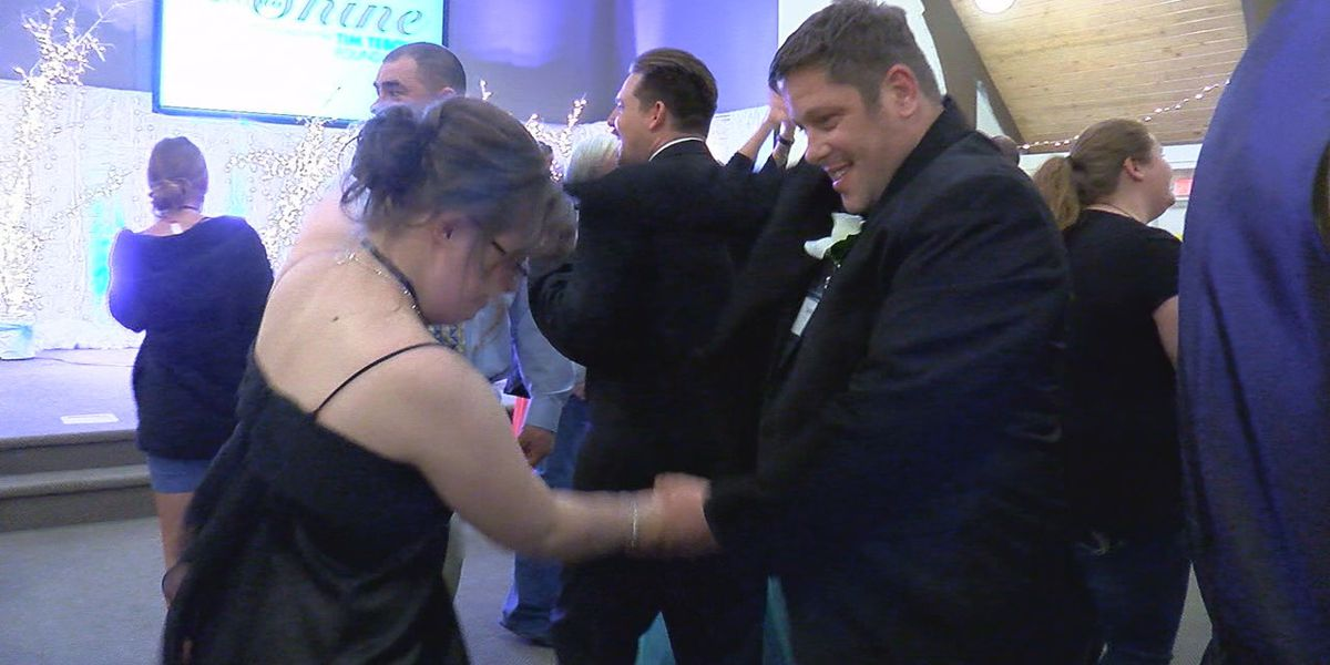 """Prom night gives those with special needs a """"Night to Shine"""""""